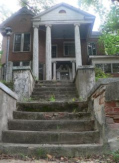 Abandoned Alabama Antebellum Home
