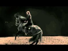 Hermès black rider on black stallion impromptu Dressage AMAZING+++ check-out on YouTube...
