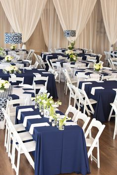 Classic wedding decor ideas: Navy and white with geometric accents