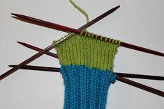 Hvordan strikke sokker til barn – Boerboelheidi Diy And Crafts, Accessories, Craft Ideas, Fashion, Threading, Moda, Fashion Styles, Fashion Illustrations, Diy Ideas
