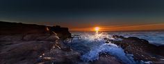 https://flic.kr/p/xQknv4 | Sunrise over Sea, city of Antibes Juan Les Pins, French Riviera by Domi RCHX Photography | Lever du soleil sur la mer, ville d'Antibes Juan Les Pins, Côte d'Azur, FRANCE par Domi RCHX Photography