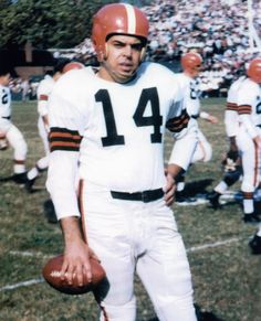 Otto Graham #14 before the requirement to wear a face guard.