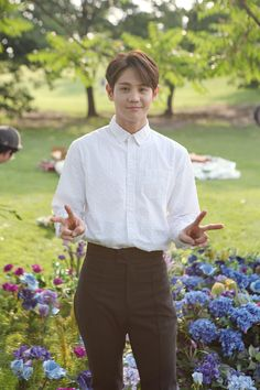 Yoseop - 160628 Beast Butterfly Making Beast, Yoseob, Highlights, Butterfly, Kpop, Actors, Random, Women, Women's