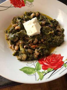 Μαυρομάτικα φασόλια με σπανάκι !!! ~ ΜΑΓΕΙΡΙΚΗ ΚΑΙ ΣΥΝΤΑΓΕΣ 2 Greek Recipes, Recipies, Food And Drink, Beef, Fruit, Vegetables, Cooking, Gardening, Decor