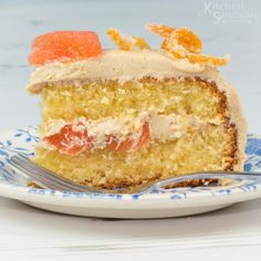 Ruby Grapefruit cake with brown sugar buttercream Cake Recipes, Dessert Recipes, Desserts, Grapefruit Cake, Brown Sugar Frosting, Individual Cakes, Vanilla Cake, Yummy Treats, Sweet Tooth
