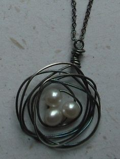 bird's nest necklace-  I like how loose this nest is...
