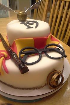 I made my boyfriend's sister a surprise Harry Potter cake for her ...