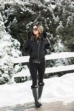 MOOSE KNUCKLES DEBBIE BOMBER JACKET AND HERE // LEGGINGS // HUNTER BOOTS // HUNTER SOCKS // KAREN WALKER SUNNIES These Karen Walkers you can rent for $30 a month! Just use code LOVEBYLYNN at check on DITTO, or buy them whatever works for you. But… More