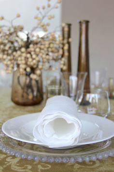 Batik Ocre - Urrea Mantelerias Table Decorations, Home Decor, Wedding Decoration, Table Arrangements, Floral Design, Decoration Home, Room Decor, Dinner Table Decorations, Interior Decorating