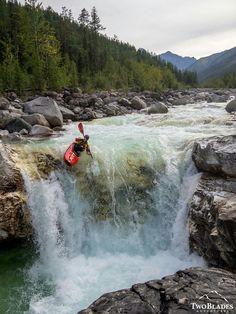 White Water Kayaks - Tips For Safe Kayaking - Kayak Sherpa Kayak Camping, Canoe And Kayak, Kayak Fishing, Whitewater Kayaking, Canoeing, White Water Kayak, Kayaking Tips, Kayak Paddle, Kayak Adventures