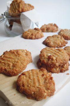 Biscotti al burro di arachidi   SENZA... farina e senza prodotti di origine animale. BUONI però, con il burro di arachidi!