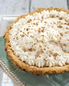 Angel Food Pie tastes like a pineapple cloud. It's creamy delicious and just melts in your mouth. The delicate pineapple flavor is like a warm sunny day. Sweets Recipes, Pie Recipes, No Bake Pies, Challah, Delicious Desserts, Cloud, Angel, Pineapple, Delicate