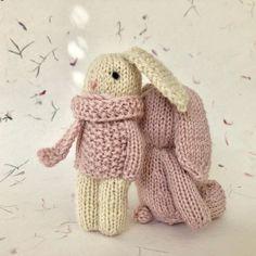 No photo description available. Yarn Dolls, Knitted Dolls, Crochet Dolls, Knit Crochet, Crochet Hats, Crochet Patterns For Beginners, Easy Crochet Patterns, Doll Patterns, Crochet Rabbit