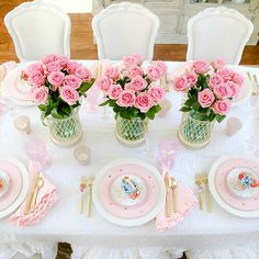 How to Set a Perfect Pink Easter Table with DIY Mini Floral Easter Baskets - Randi Garrett Design Party Centerpieces, Table Decorations, Easter Centerpiece, Easter Crafts For Kids, Easter Decor, Brunch, Easter Table Settings, Perfect Pink, Easter Party