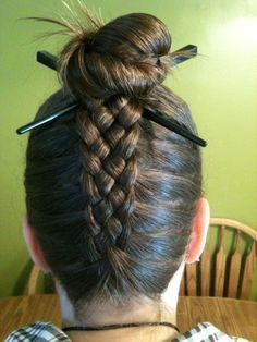 5 strand french braid upside down going into a bun… this is crazy!: