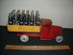 "ANTIQUE CA.1932 COCA COLA METALCRAFT DELIVERY TRUCK W""24 MINI BOTTLES BOX  RARE COCA COLA 24 GLASS BOTTLES WOOD CASE *NR*"