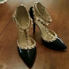 Valentino ROCKSTUD LOOKS ALIKE Gorgeous brand new patent two tone rockstud shoes! Size 6 true size. Reposh 'cause to feet is too wide dor them. Valentino looks alike Shoes Heels