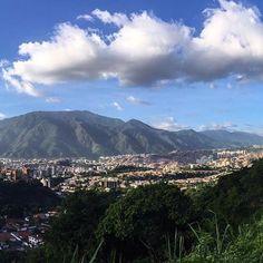 This breathtaking view of Caracas, Venezuelaby @claudiadhc is all we need this #MotivationMonday Photo by @claudiadhc #beautifullatinamerica   Esta preciosa vista de Caracas, Venezuela es todo lo que necesitammos este lunes #latinoamericahermosa