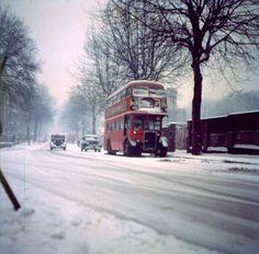 London bus in the snow 1970 London Snow, London Bus, Old London, London Street, Lamborghini, Ferrari, Old Pictures, Old Photos, Peugeot