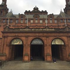 Kelvingrove art gallery and museum in #Glasgow - #culture #art #museum  #글라스고 #자연사 #박물관Check out the #weekinmusic section of my blog at http://liamlusk.com/category/week-in-music/