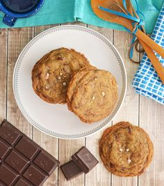 Want something super yummy and decadent for dessert? You seriously have to try these browned butter chocolate chip cookies.