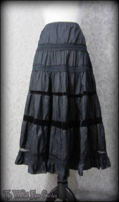 Shabby Goth Black Velvet Lace Trim Ruffle Skirt 10 12 Romantic Gypsy Dark Mori   THE WILTED ROSE GARDEN