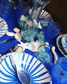 Se non è sul mare è un tramonto a meta'  mare  blu  azzurro  brillantini  stella  conchiglie  piattiblu  righebluebianche  righeblu  righebianche  petronillalaboutiqueperlacucina  viadiportasopranagenova  vialomellinigenova  angoloviconotari  centrostoricogenova Blue Dinnerware, Stella, Instagram Posts