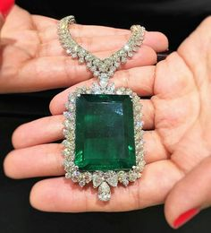 Diamond Necklace This summer's knockout is an 80 carat Emerald Pendant Necklace… Emerald Pendant, Emerald Necklace, Emerald Jewelry, Gems Jewelry, Silver Pendant Necklace, Sterling Silver Jewelry, Fine Jewelry, Diamond Necklaces, Diamond Pendant
