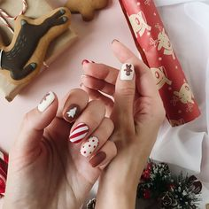 Cute Christmas Nails, Xmas Nails, New Year's Nails, Autumn Nails, Winter Nails, Cute Nails, Pretty Nails, Ivy Nails, Modern Nails