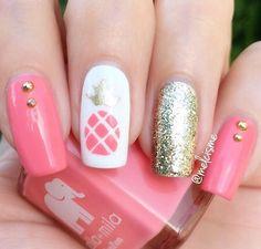 Coral pineapple and sparkling gold Follow @nailssfeatures for more nail videos ….. Cr. @melcisme #nailart #nails #manicure #nailporn #nailsoftheday #notd #nailcandy #nailswag #nailartidea #nailpolishaddict #nailartinspiration #nailstoinspire #fashionnnails #instanails