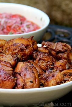 Fritada de gallina is a delicious and tender Ecuadorian braised chicken dish prepared by cooking chicken in a sauce made with chicha or fermented corn drink Meat Recipes, Mexican Food Recipes, Chicken Recipes, Cooking Recipes, Braised Chicken, Comida Latina, Portuguese Recipes, Rind, International Recipes