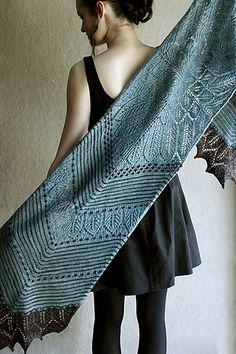 Stars & Stripes - - Twisted-stitch lace rockets combine with slender stripes and slip-stitch (mosaic) stars. Shawl Patterns, Lace Patterns, Knitting Patterns, Knitting Tutorials, Stitch Patterns, Diy Scarf, Lace Scarf, Knit Cowl, Knitted Shawls