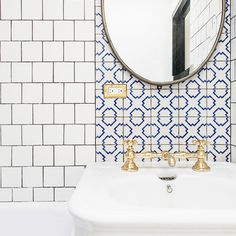 Mixed-metals (and pattern mixing) work well together when done with confidence. The only thing missing here is a handsome hand soap, ahem. Interior and image by Elizabeth Roberts Architecture
