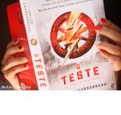 Esse livro é massa demais gente, quero a continuação pra ontem! hihihi - http://delivroemlivro.blogspot.com.br/2014/06/resenha-208-o-teste-livro-1-de-joelle.html