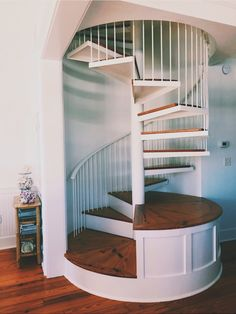 for my beach house i want these stairs they are just awesome Dream Home Design, My Dream Home, Tiny Room Ideas, Style At Home, Cute House, Tiny House, Aesthetic Rooms, Design Case, House Goals