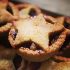 The Pies Fit for the King: Mince Pies Mince Pies, Chocolate, Desserts, Christmas, Food, Tailgate Desserts, Xmas, Deserts, Essen