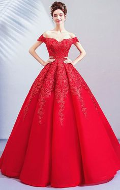 Latest Red Formal Gowns Online for Women 2021-2022 Red Formal Dresses, Formal Dresses Online, Formal Gowns, Evening Gowns Online, Dresses Online Australia, Fabulous Dresses, Red Wedding, Ball Gowns, Casual Outfits