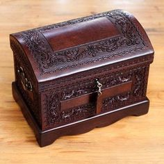 Mohena wood and leather jewelry box, Colonial Treasure - Womens Colonial Leather and Wood Jewelry Box Earring Jewelry Box, Kids Jewelry Box, Large Jewelry Box, Musical Jewelry Box, Leather Jewelry Box, White Jewelry Box, Jewelry Chest, Wooden Jewelry Boxes, Silver Jewelry