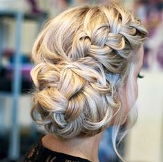 Delightful blonde braid! Perfect for a country wedding