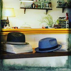- Buongiorno cosa desidera? - Un cappello e un caffè per favore.  #cappello #cappelli #hat #hats #modauomo #moda #fashion #menfashion #manfashion #stile #style #instalike #instalife #instamood #instamoment #l4l #like4like #likeforlike #modisteria #artigianato #madeinitaly #buongiorno