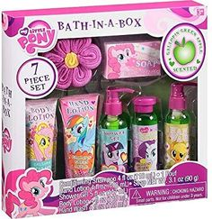 My Little Pony Gallopin' Green Apple Scented Bath-in-a-Box, 7 pc Little Girl Toys, Baby Girl Toys, Toys For Girls, Diy For Kids, Crafts For Kids, Fun Crafts, Paper Crafts, Princess Toys, Accessoires Iphone
