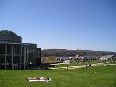#Marist College. Pou