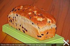 Rosinenbrot Raisin bread, a delicious recipe from the category children. Holiday Cookie Recipes, Holiday Baking, Pain Aux Raisins, Baking Recipes, Dessert Recipes, Pumpkin Seed Recipes, Raisin Bread, Banana Bread, Pumpkin Bread