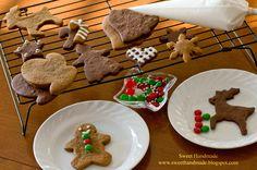Sweet Handmade Cookies - Christmas cookie decorating kit, mitten cookies, gingerbread boy cookies, gingerbread girl cookies, heart cookies, reindeer cookies, bell cookies, snowflake cookies, candies, dragees, royal icing