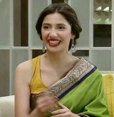 Saree-clad Pakistani actor Mahira Khan on a tv show. Pakistani Models, Pakistani Actress, Pakistani Dresses, Mahira Khan Wedding, Mahira Khan Dresses, Beauty P, Indian Look, Dress Making Patterns, Indian Attire