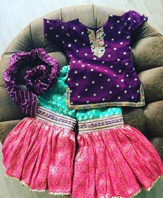 Baby Girl Frocks, Baby Girl Party Dresses, Frocks For Girls, Little Girl Dresses, Eid Clothes, Girls Fashion Clothes, Little Girl Fashion, Kids Fashion, Pakistani Kids Dresses