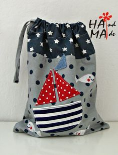 ♥ Hama Workshop ♥: Taschen für Trainingskleidung - My CMS Sewing For Kids, Baby Sewing, Diy For Kids, Fabric Crafts, Sewing Crafts, Sewing Projects, Sacs Tote Bags, February Baby, Diy Handbag