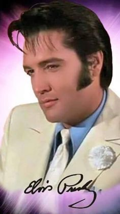 "( 2015 † IN MEMORY OF ) † ♪♫♪♪ Elvis Aaron Presley - Tuesday, January 08, 1935 - 5' 11¾"" - Tupelo, Mississippi, USA. Died; Tuesday, August 16, 1977 (aged of 42) Memphis, Tennessee, U.S. Resting place Graceland, Memphis, Tennessee, U.S. Education. L.C. Humes High School Occupation Singer, actor Home town Memphis, Tennessee, USA. Cause of death: (cardiac arrhythmia)"