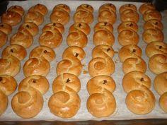 Greek Sweets, Greek Desserts, Antique Sewing Machine Table, Greek Cookies, Cookie Pie, Bagel, Doughnut, Sweet Recipes, Cookie Recipes