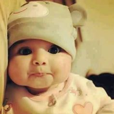 Aweh! Haha such a cute lil baby!!